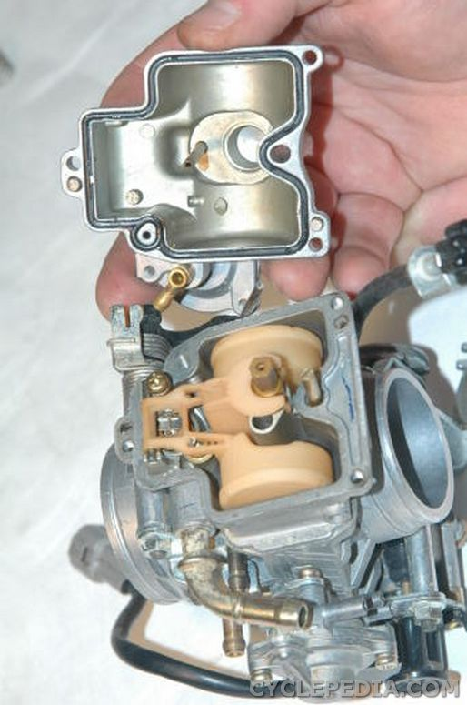 Kawasaki KLX400 Suzuki flateside carburetor disassembly