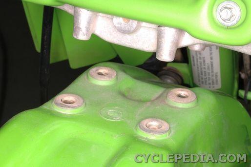 Kawasaki KDX200 front fender removal