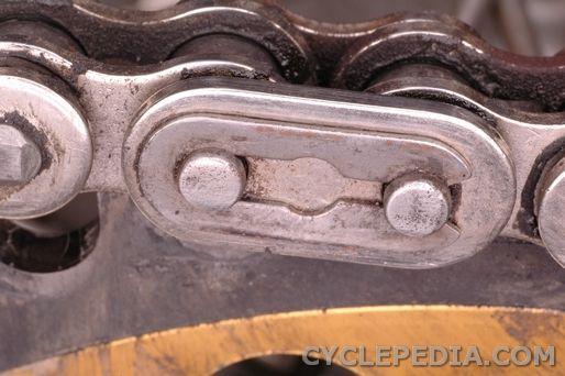 Kawasaki KDX200 chain removal