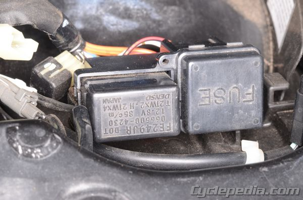 SV650_309 fuses and relays cyclepedia suzuki sv650 online service manual Circuit Breaker Box at crackthecode.co