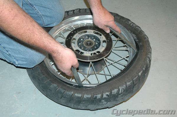 CSM_MC_TireChange_0007