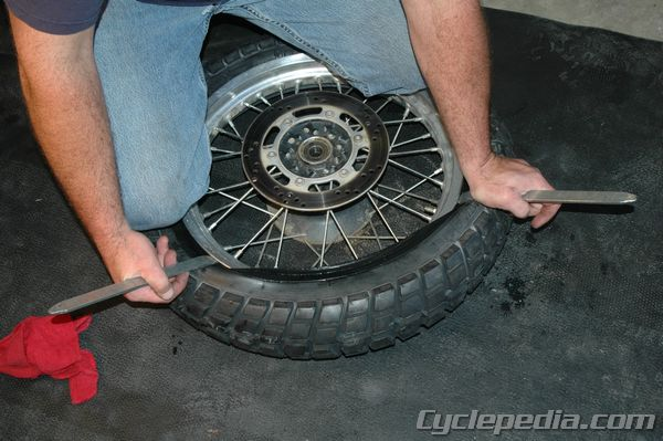 CSM_MC_TireChange_0026