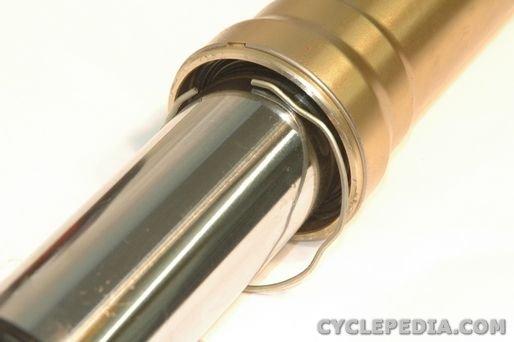 Honda CRF450 fork seal replacement