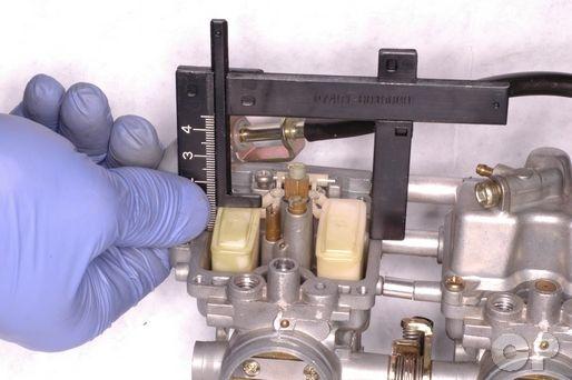 Suzuki Katana GSX600F and GSX750F carburetor inspection