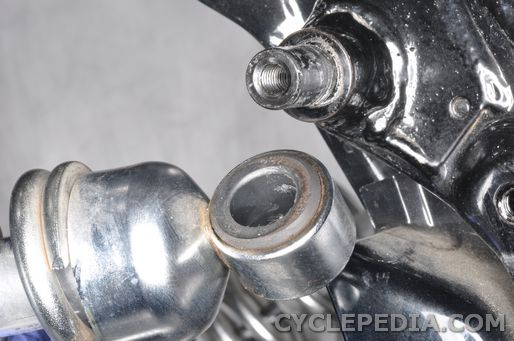 Replace the rear shocka absorber on the Virago 535.