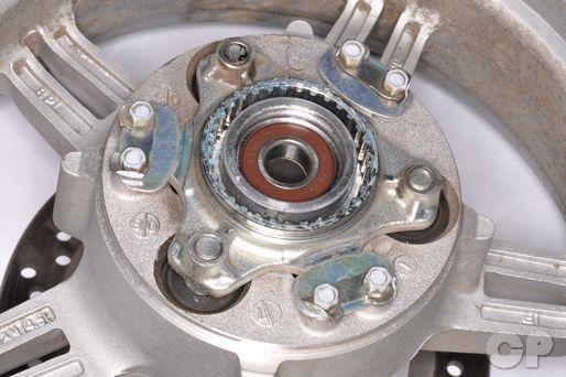 Suzuki Burgman AN650 AN650A AN 650 rear wheel hub drive