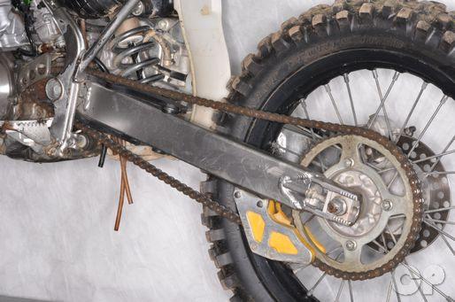 Kawasaki KX100 KX85 Rear Wheel Removal