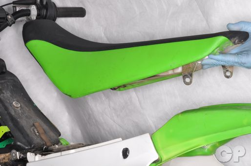 Kawasaki KX100 KX85 Seat Removal Fuel Tank Removal