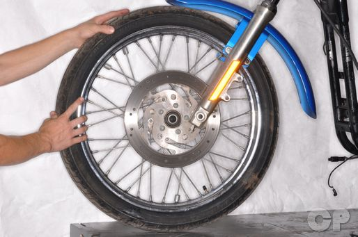 Harley Davidson 1991 - 2003 front wheel removal/installation.