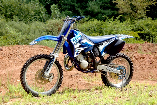 1998 2004 yamaha yz125 online service manual cyclepedia rh cyclepedia com 2003 yz 125 manual pdf 2000 yz 125 manual free
