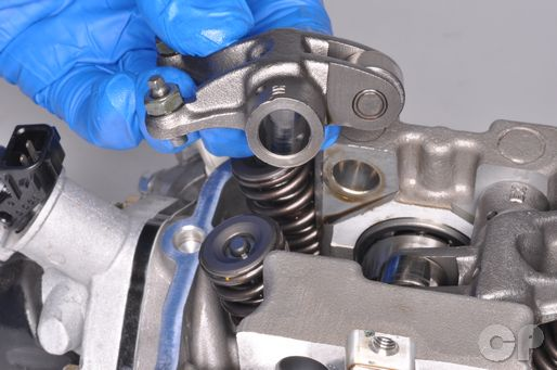 LEA7 KYMCO downtowin 300i cylinder head rocker arm removal.