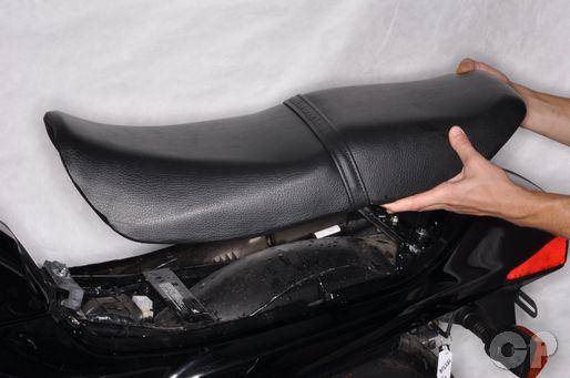 Honda CB250 Nighthawk seat removal.
