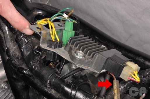 Honda CB250 Nighthawk regulator/rectifier removal installation.