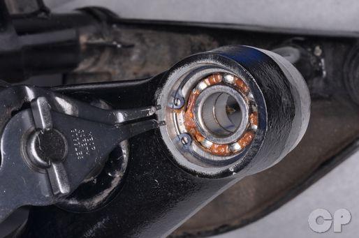 Honda VT600 Shadow swingarm bearing replacement