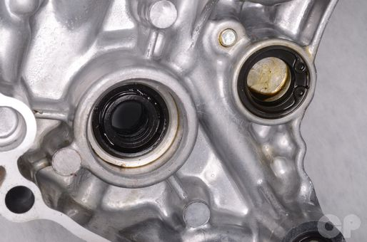 Yamaha YZ250F water pump seal replacement