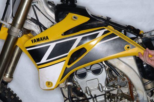 Yamaha YZ250F radiator shroud removal