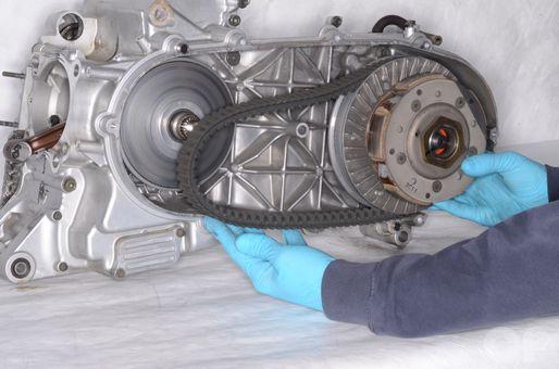 Suzuki AN400 Burgman drive belt and clutch inspection