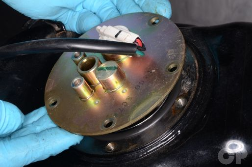 AN400 Burgman 400 fuel pump removal and inspection