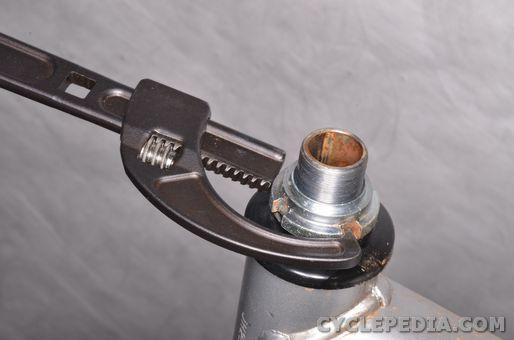 honda crf70 xr70 steering nut races head bearings