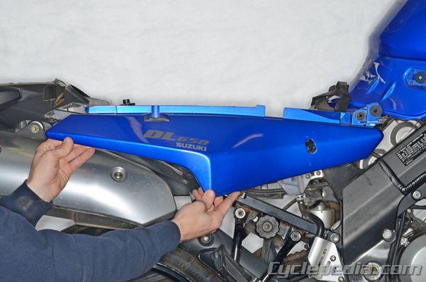 Body Work Fuel Tank Suzuki DL650 V-Strom Cyclepedia Repair Manual