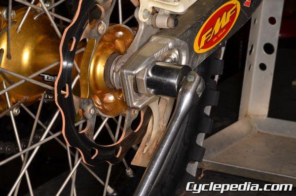 Suzuki RMZ250 rear axle torque specification