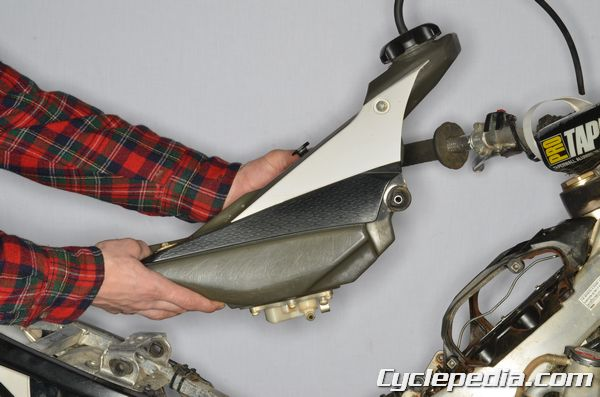 Fuel Tank Removal YZ450F Yamaha