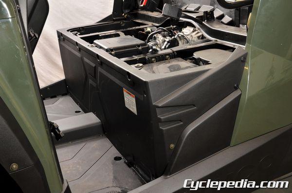 KYMCO UXV450i seat body work frame covers trim clips