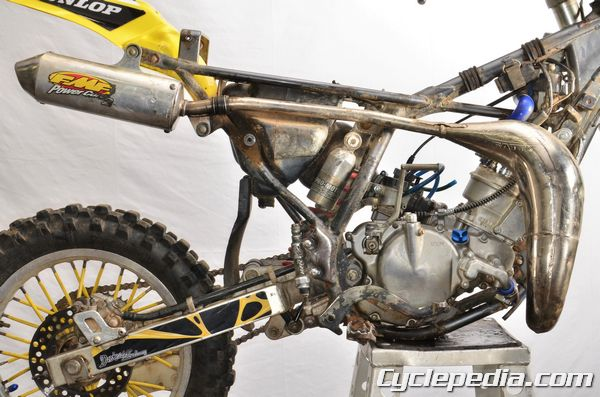 RM80 RM85 Suzuki exhaust system rear fender