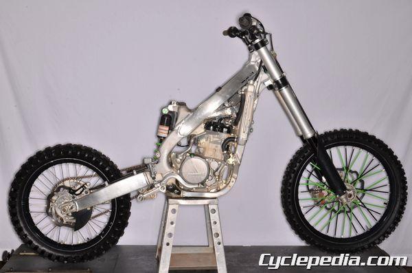 KX250F fenders bodywork subframe removal